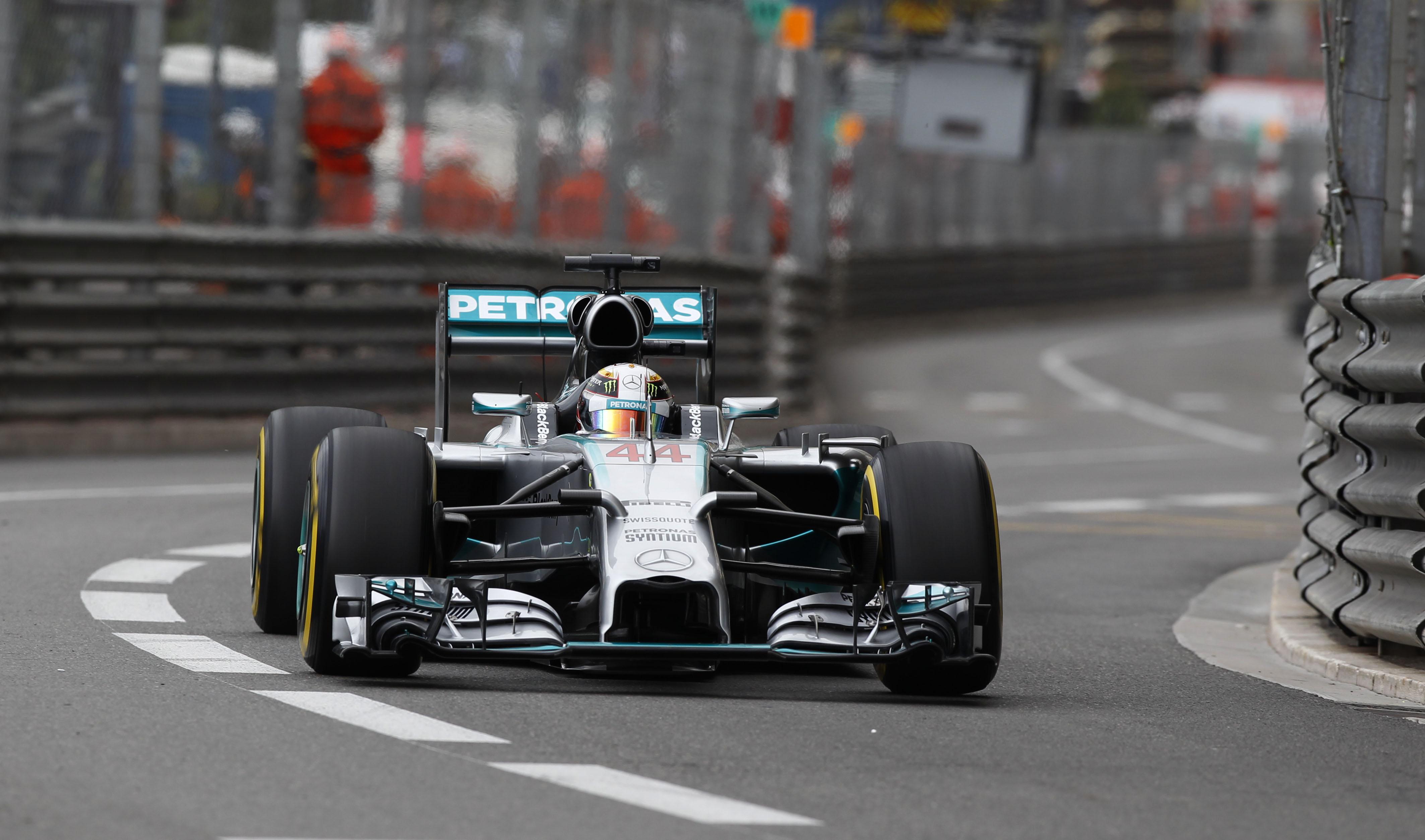 Gp di Monaco, Lewis Hamilton beffato